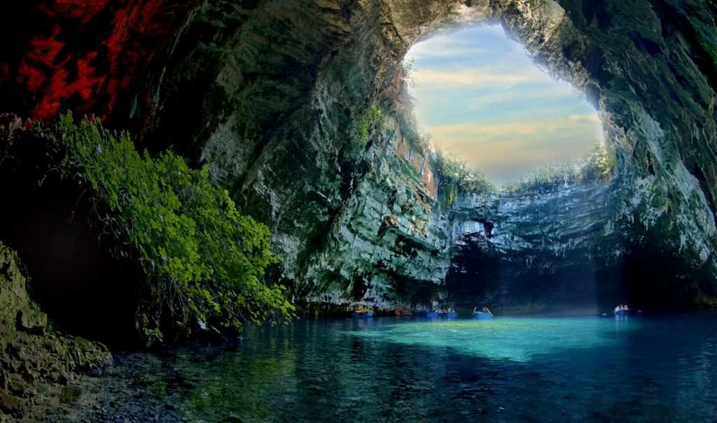 Argostoli - Island Tour, wine tasting and Melisani lake