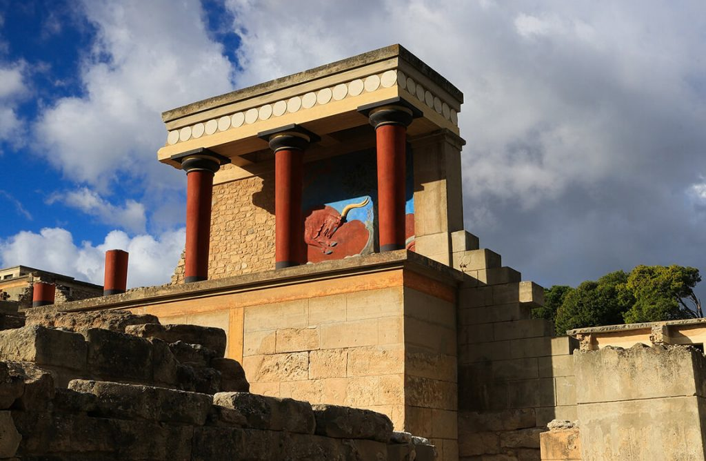 Island tour, Knossos, Cretan villages and winery